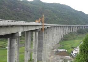 G312淠河特大桥开展结构加固检修