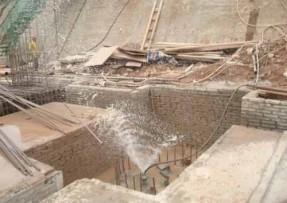 青岛加固公司怎么样让房子歪斜纠偏装置工程项目顺利完成?
